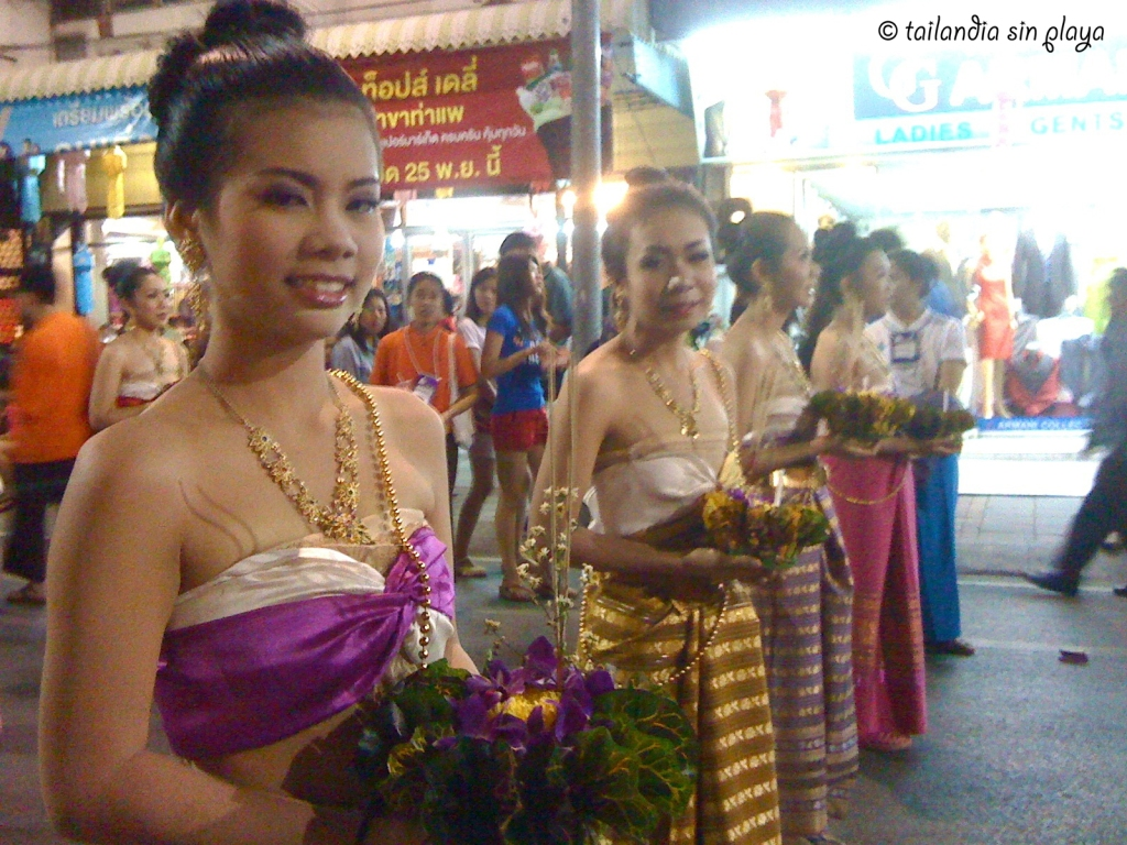Desfile en las calles de Chiang Mai