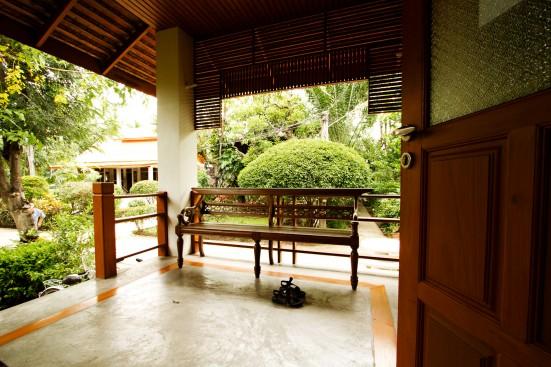 Desde la habitación, Ban Thai