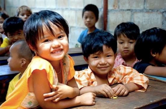 Conoce a los niños birmanos de la escuela Km 42