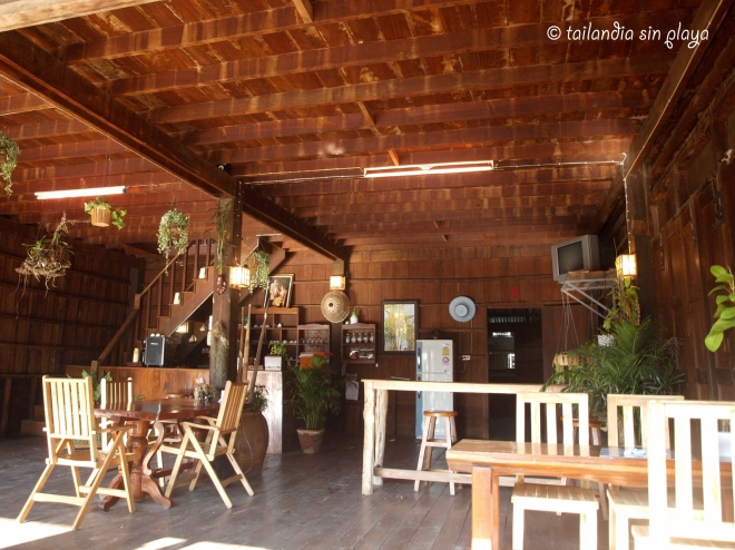cafeteria en Umphang