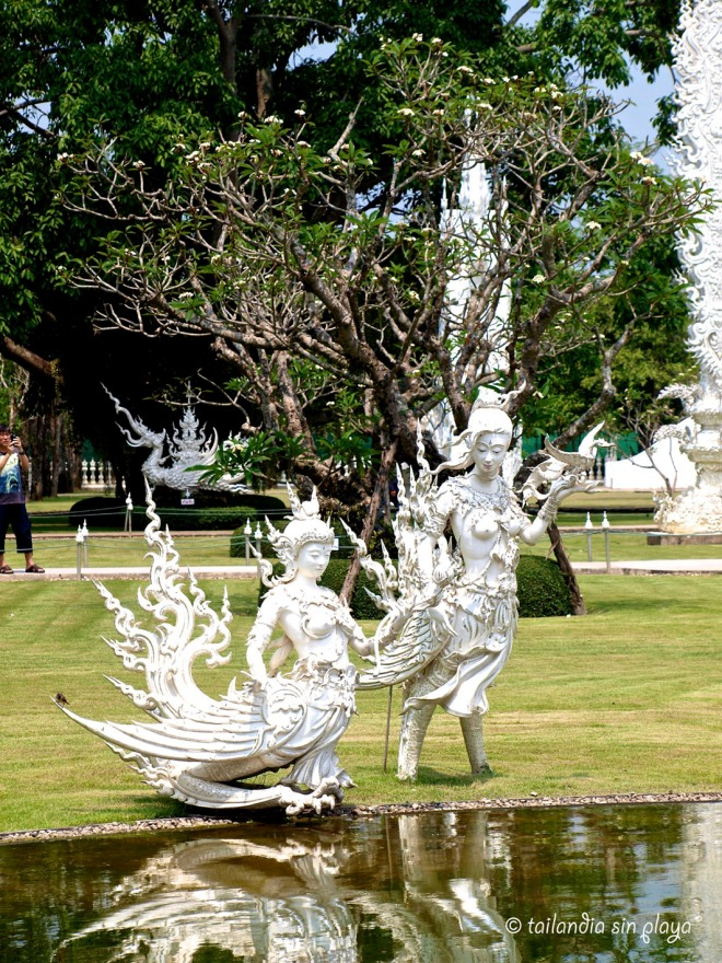 Estatuas Templo Blanco Chiang Rai