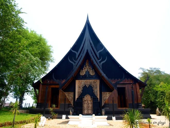 Baan Daam Casa Negra Chiang Rai