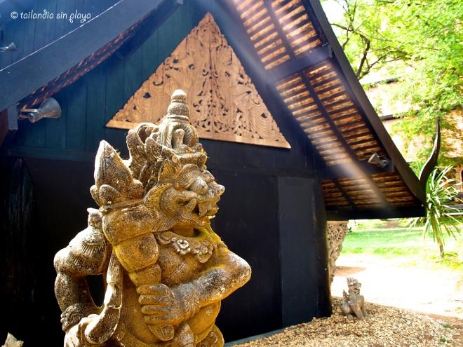 Exterior Casa Negra Chiang Rai