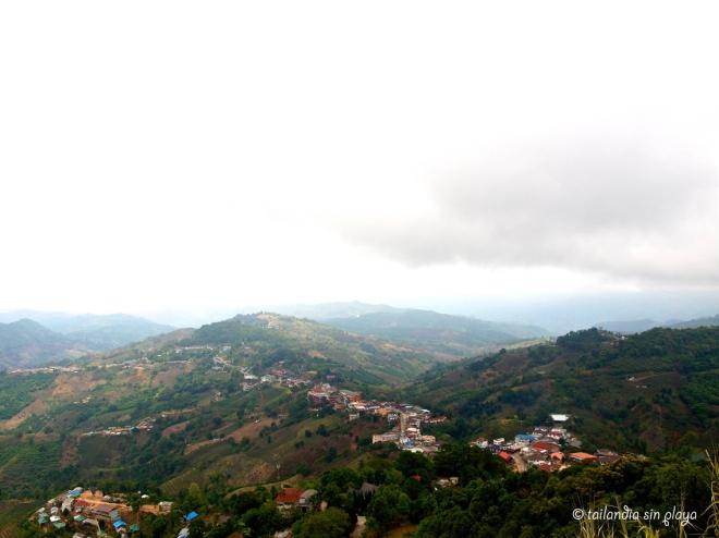 Vistas desde la cima de mae Salong